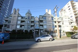 "Main Photo: 404 509 CARNARVON Street in New Westminster: Downtown NW Condo for sale in ""HILLSIDE PLACE"" : MLS® # R2226244"
