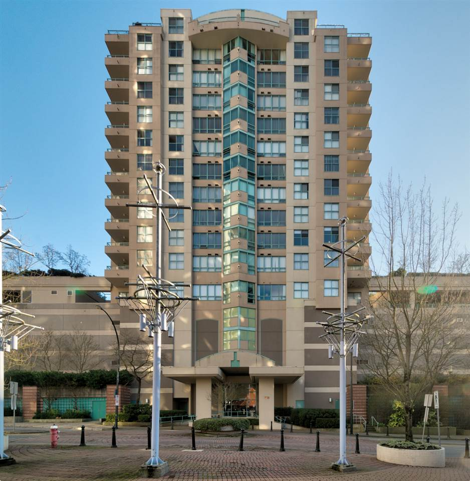 "Main Photo: 804 728 PRINCESS Street in New Westminster: Uptown NW Condo for sale in ""PRINCESS TOWER"" : MLS®# R2226456"