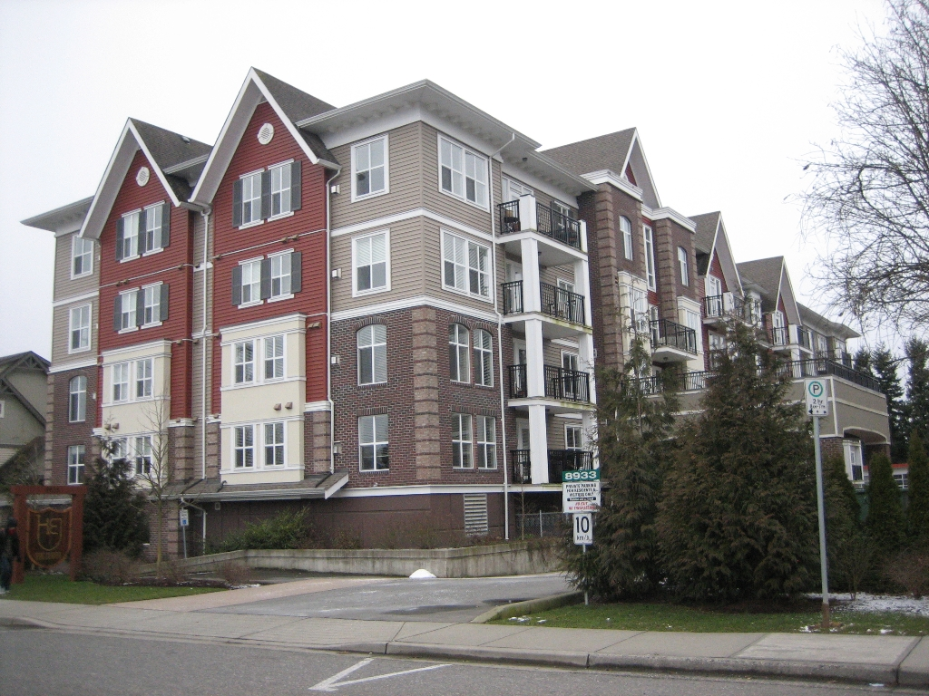 "Main Photo: 308 8933 EDWARD Street in Chilliwack: Chilliwack W Young-Well Condo for sale in ""KING EDWARD"" : MLS® # H1100857"