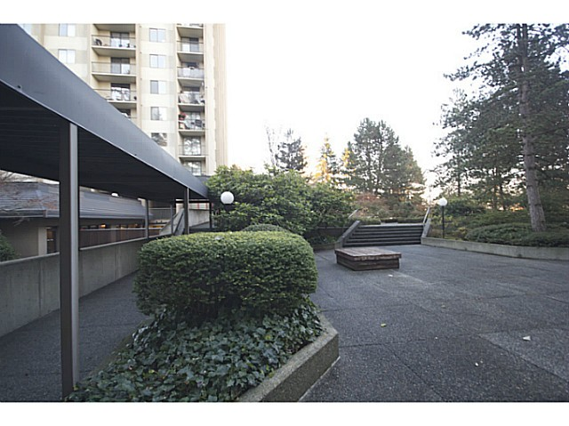 "Photo 8: 1906 9541 ERICKSON Drive in Burnaby: Sullivan Heights Condo for sale in ""ERICKSON TOWER"" (Burnaby North)  : MLS® # V1036239"