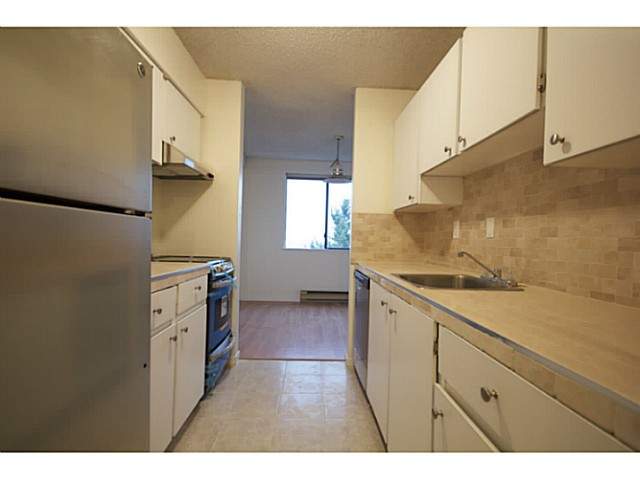 "Photo 2: 1906 9541 ERICKSON Drive in Burnaby: Sullivan Heights Condo for sale in ""ERICKSON TOWER"" (Burnaby North)  : MLS® # V1036239"