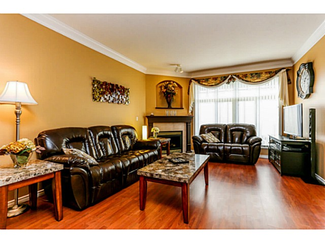 "Main Photo: 14 11358 COTTONWOOD Drive in Maple Ridge: Cottonwood MR Townhouse for sale in ""Carriage Lane"" : MLS® # V1037299"