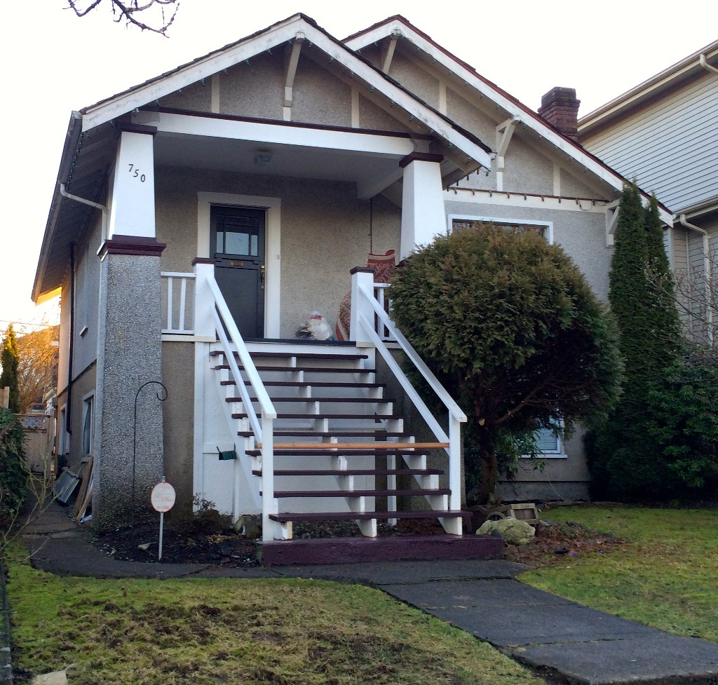 Main Photo: 750 E 23RD Avenue in Vancouver: Fraser VE House for sale (Vancouver East)  : MLS® # V1042335