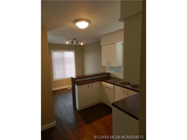 Photo 4: 55 Gordon Street in Red Deer: RR Glendale Park Estates Residential for sale : MLS® # CA0034675