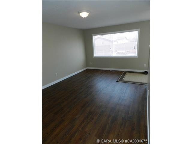 Photo 5: 55 Gordon Street in Red Deer: RR Glendale Park Estates Residential for sale : MLS® # CA0034675