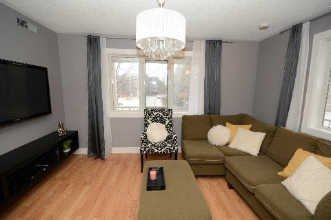 Main Photo: 218 65 E Bristol Road in Mississauga: Hurontario Condo for sale : MLS(r) # W3087395