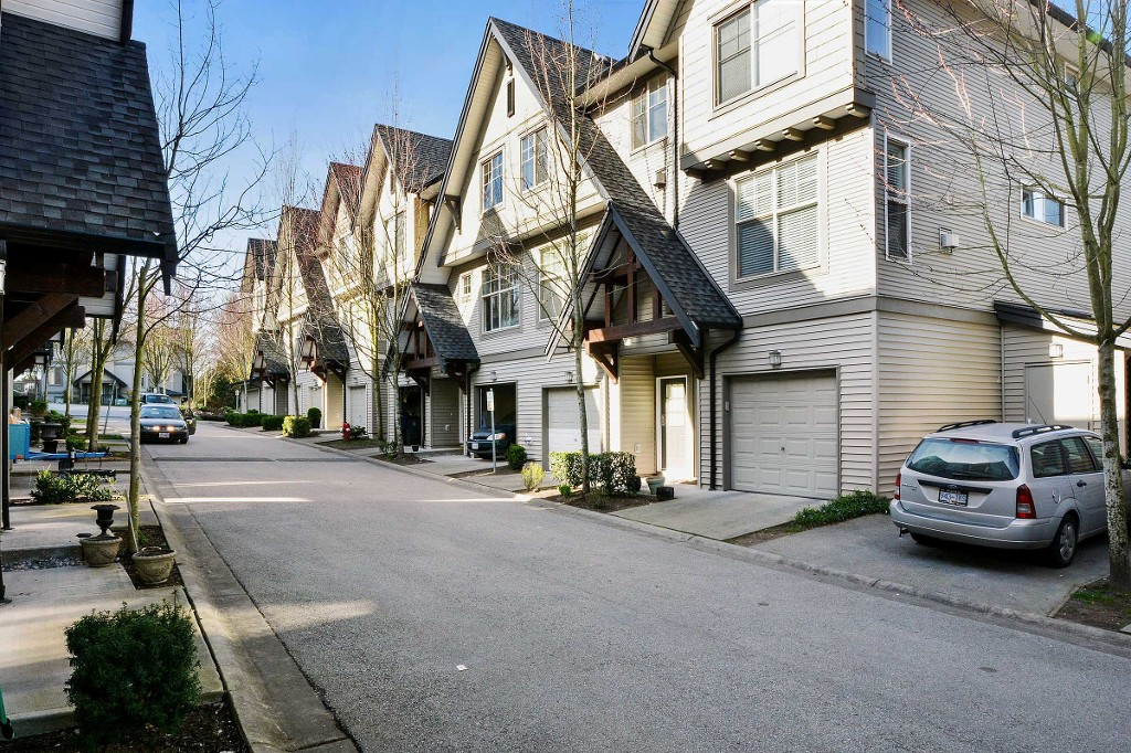 "Main Photo: 86 15152 62A Avenue in Surrey: Sullivan Station Townhouse for sale in ""UPLANDS"" : MLS® # F1434369"