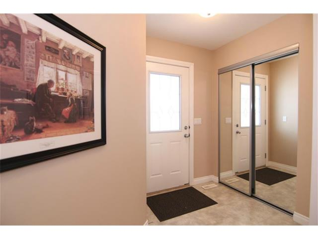 Photo 3: 165 Westlake Bay: Strathmore House for sale : MLS® # C4003173
