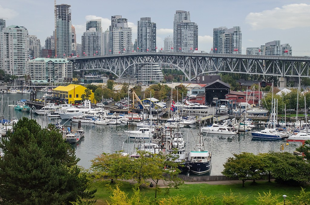 Main Photo: 707 1470 PENNYFARTHING Drive in Vancouver: False Creek Condo for sale (Vancouver West)  : MLS®# V1140705
