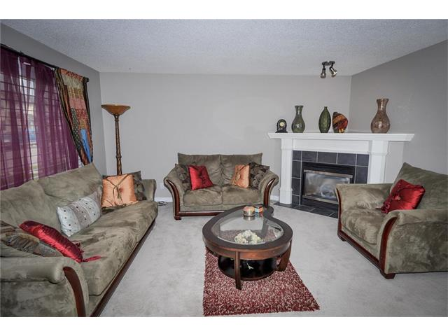 Photo 4: 92 TARINGTON Way NE in Calgary: Taradale House for sale : MLS® # C4028277