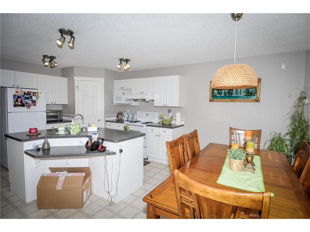 Photo 12: 92 TARINGTON Way NE in Calgary: Taradale House for sale : MLS® # C4028277