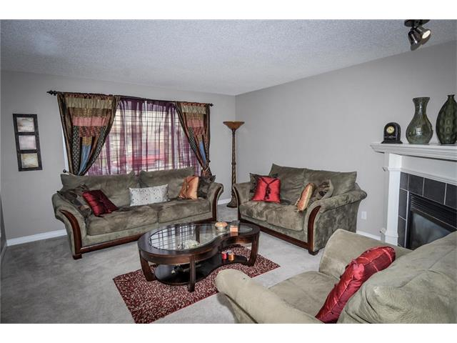Photo 5: 92 TARINGTON Way NE in Calgary: Taradale House for sale : MLS® # C4028277