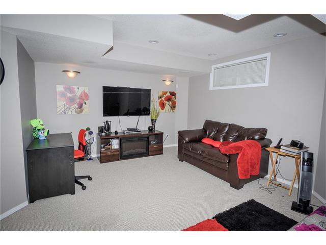 Photo 25: 92 TARINGTON Way NE in Calgary: Taradale House for sale : MLS® # C4028277