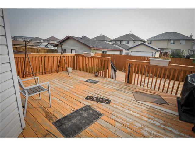 Photo 2: 92 TARINGTON Way NE in Calgary: Taradale House for sale : MLS® # C4028277