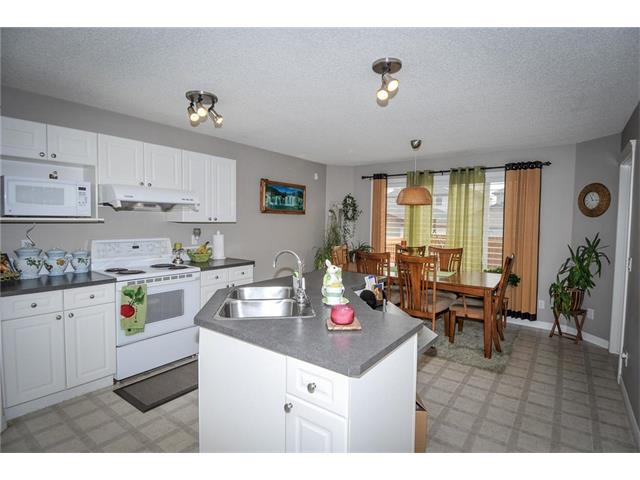 Photo 8: 92 TARINGTON Way NE in Calgary: Taradale House for sale : MLS® # C4028277
