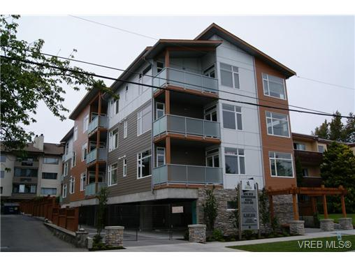Main Photo: 402 1540 Belcher Avenue in VICTORIA: Vi Jubilee Condo Apartment for sale (Victoria)  : MLS® # 355854