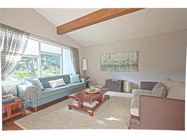 Photo 8: 20 SACKVILLE Drive SW in Calgary: Southwood House for sale : MLS® # C4040691