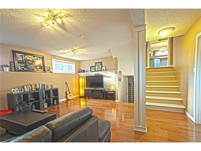 Photo 18: 20 SACKVILLE Drive SW in Calgary: Southwood House for sale : MLS® # C4040691