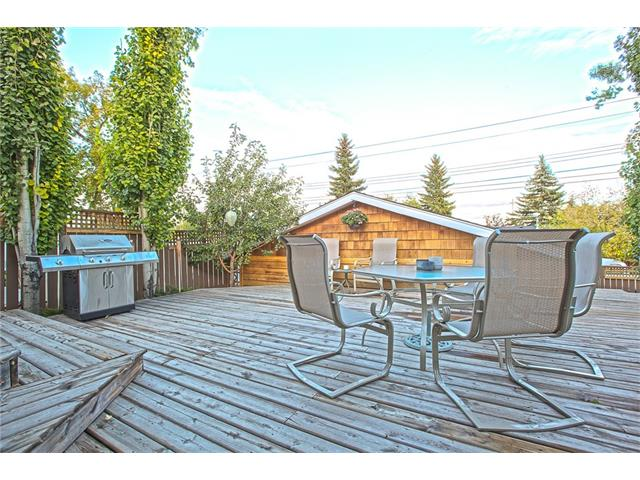 Photo 32: 20 SACKVILLE Drive SW in Calgary: Southwood House for sale : MLS® # C4040691