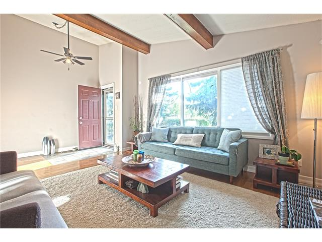 Photo 9: 20 SACKVILLE Drive SW in Calgary: Southwood House for sale : MLS® # C4040691