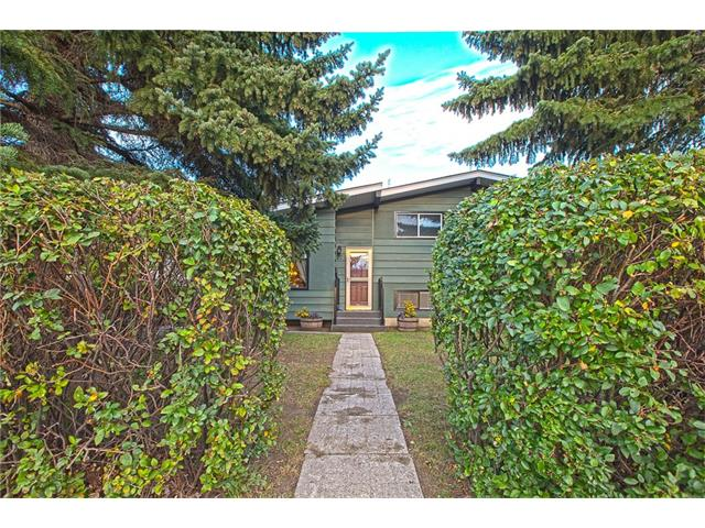 Photo 4: 20 SACKVILLE Drive SW in Calgary: Southwood House for sale : MLS® # C4040691