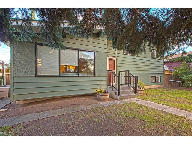 Photo 5: 20 SACKVILLE Drive SW in Calgary: Southwood House for sale : MLS® # C4040691