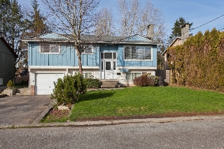 Main Photo: 19767 54A Avenue in Langley: Langley City House for sale : MLS®# R2039059