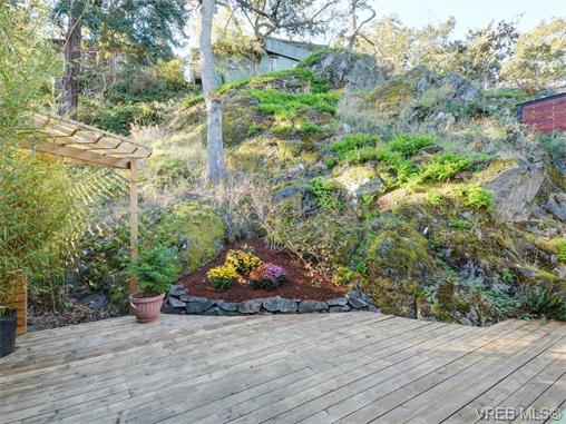 Photo 19: 1315 McNair Street in VICTORIA: Vi Oaklands Single Family Detached for sale (Victoria)  : MLS(r) # 370587