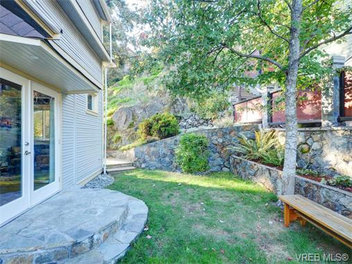 Photo 10: 1315 McNair Street in VICTORIA: Vi Oaklands Single Family Detached for sale (Victoria)  : MLS(r) # 370587