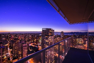 "Main Photo: 4502 777 RICHARDS Street in Vancouver: Downtown VW Condo for sale in ""TELUS GARDENS"" (Vancouver West)  : MLS(r) # R2131381"