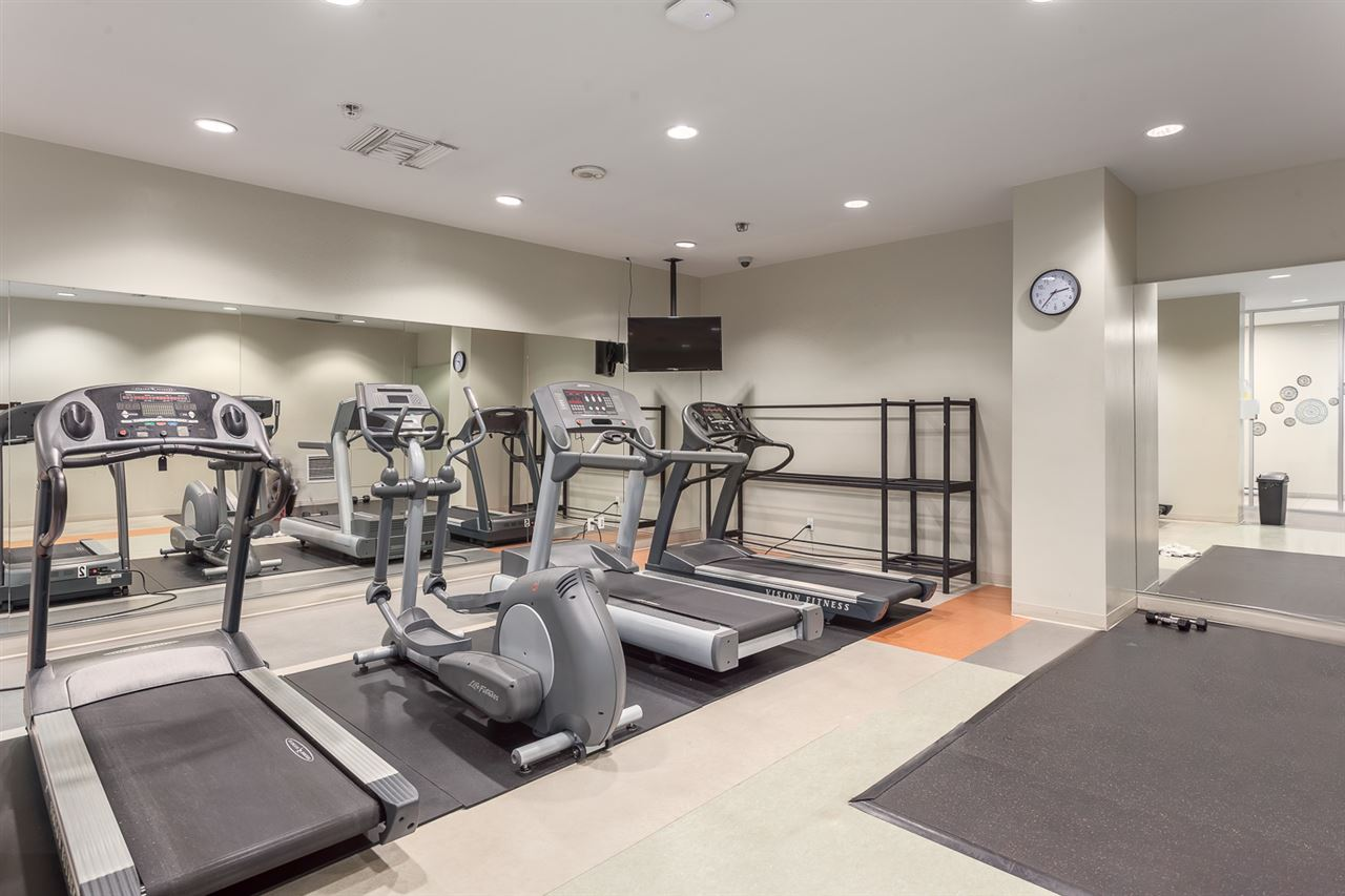"Photo 18: 2207 233 ROBSON Street in Vancouver: Downtown VW Condo for sale in ""TV TOWER 2"" (Vancouver West)  : MLS(r) # R2139702"