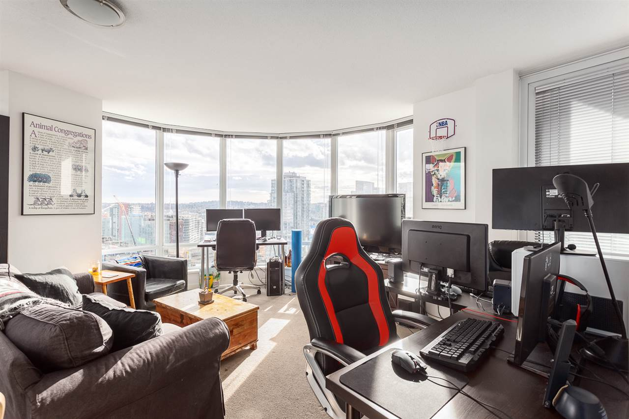 "Photo 5: 2207 233 ROBSON Street in Vancouver: Downtown VW Condo for sale in ""TV TOWER 2"" (Vancouver West)  : MLS® # R2139702"