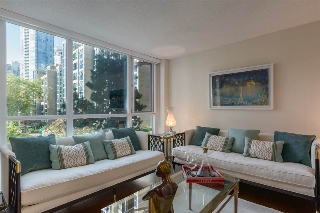 "Main Photo: 308 388 DRAKE Street in Vancouver: Yaletown Condo for sale in ""GOVERNORS TOWER"" (Vancouver West)  : MLS(r) # R2149928"