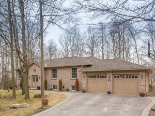 Main Photo: 20 Valley Trail in East Gwillimbury: Holland Landing House (Bungalow-Raised) for sale : MLS® # N3749430