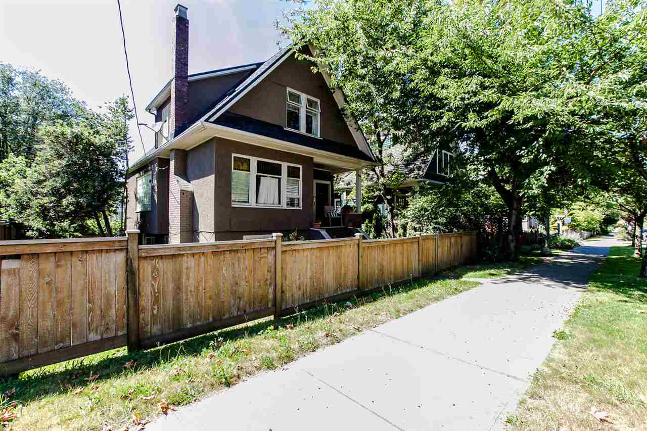 Main Photo: 2749 CAROLINA Street in Vancouver: Mount Pleasant VE House for sale (Vancouver East)  : MLS(r) # R2158958