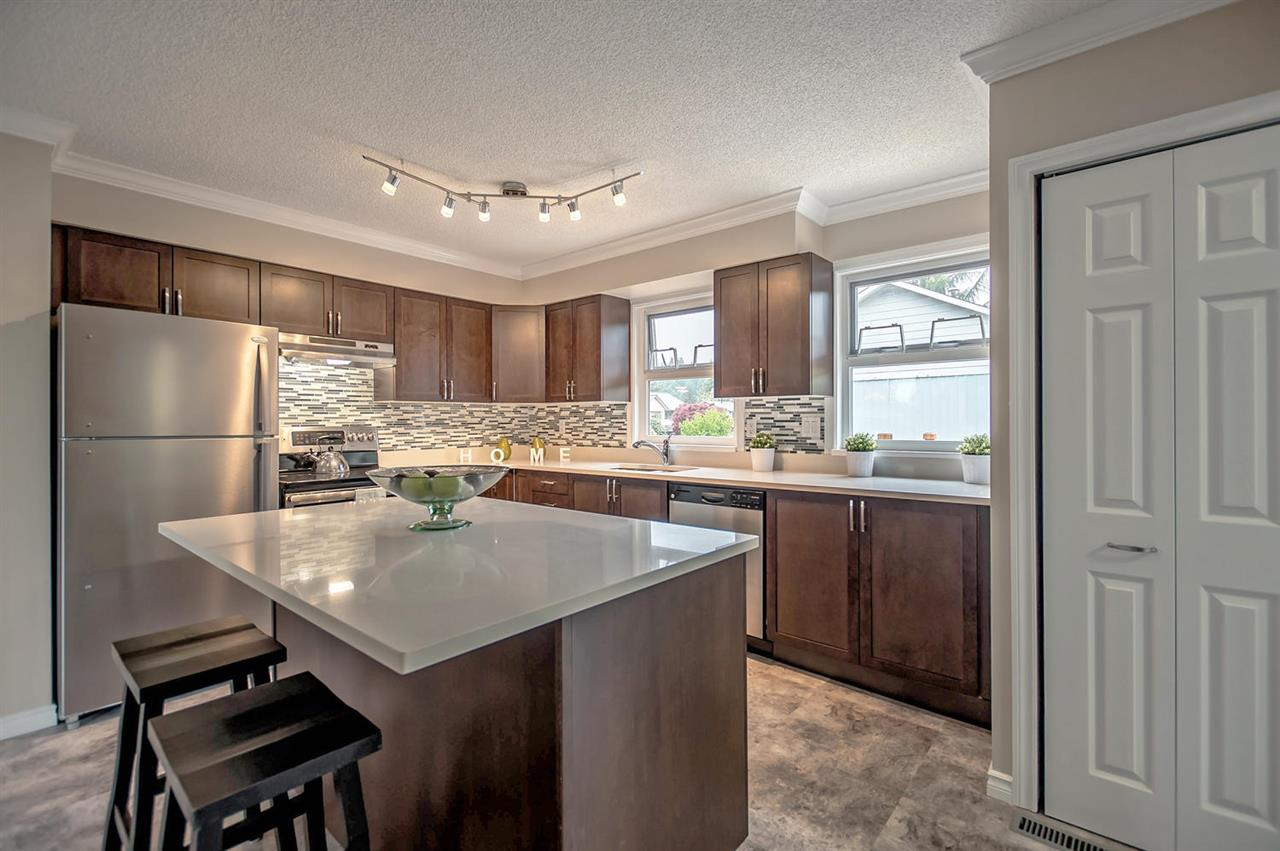 "Photo 13: 3641 VINEWAY Street in Port Coquitlam: Lincoln Park PQ House for sale in ""LINCOLN PARK"" : MLS® # R2162522"