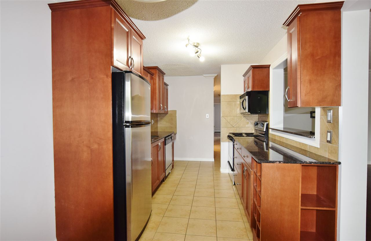Photo 6: 304 10720 84 Avenue Edmonton 3 Bed 1.5 Bath Condo For Sale E4062864