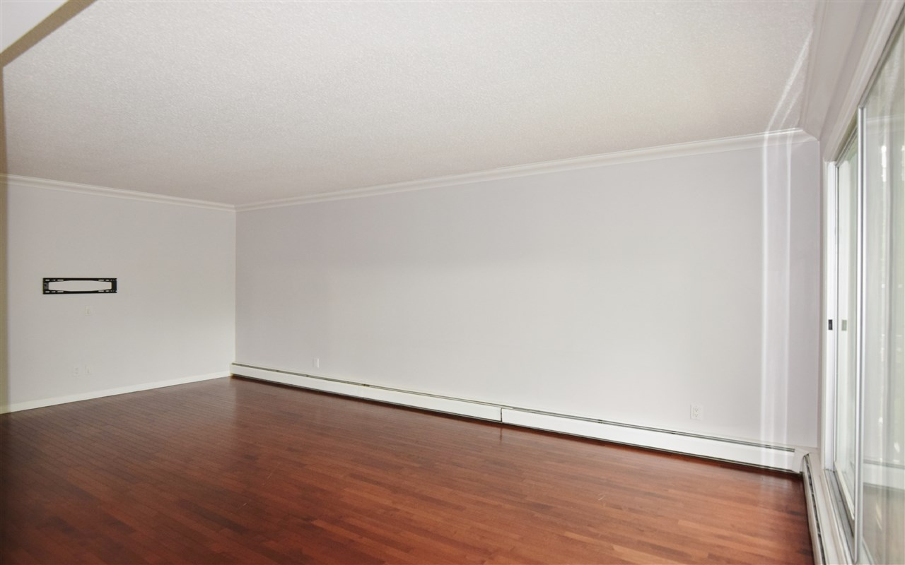 Photo 12: 304 10720 84 Avenue Edmonton 3 Bed 1.5 Bath Condo For Sale E4062864