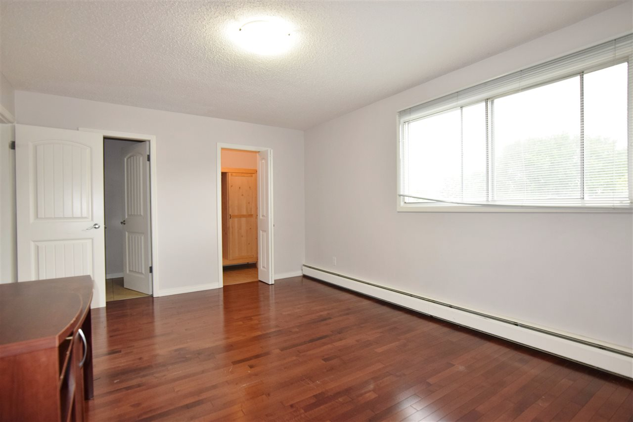 Photo 13: 304 10720 84 Avenue Edmonton 3 Bed 1.5 Bath Condo For Sale E4062864