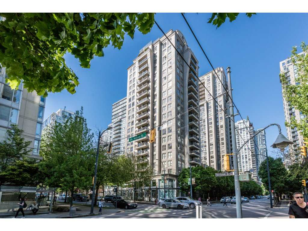 "Main Photo: 401 989 RICHARDS Street in Vancouver: Downtown VW Condo for sale in ""MONDRIAN 1"" (Vancouver West)  : MLS(r) # R2168604"