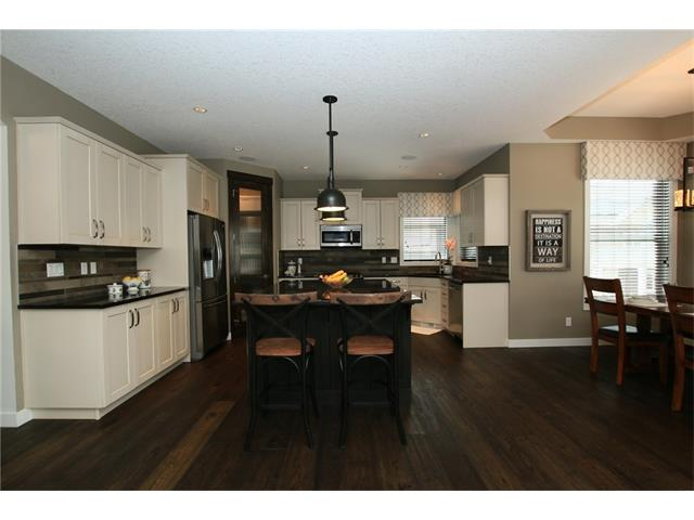 Photo 10: 64 RAINBOW FALLS BV: Chestermere House for sale : MLS(r) # C4105340