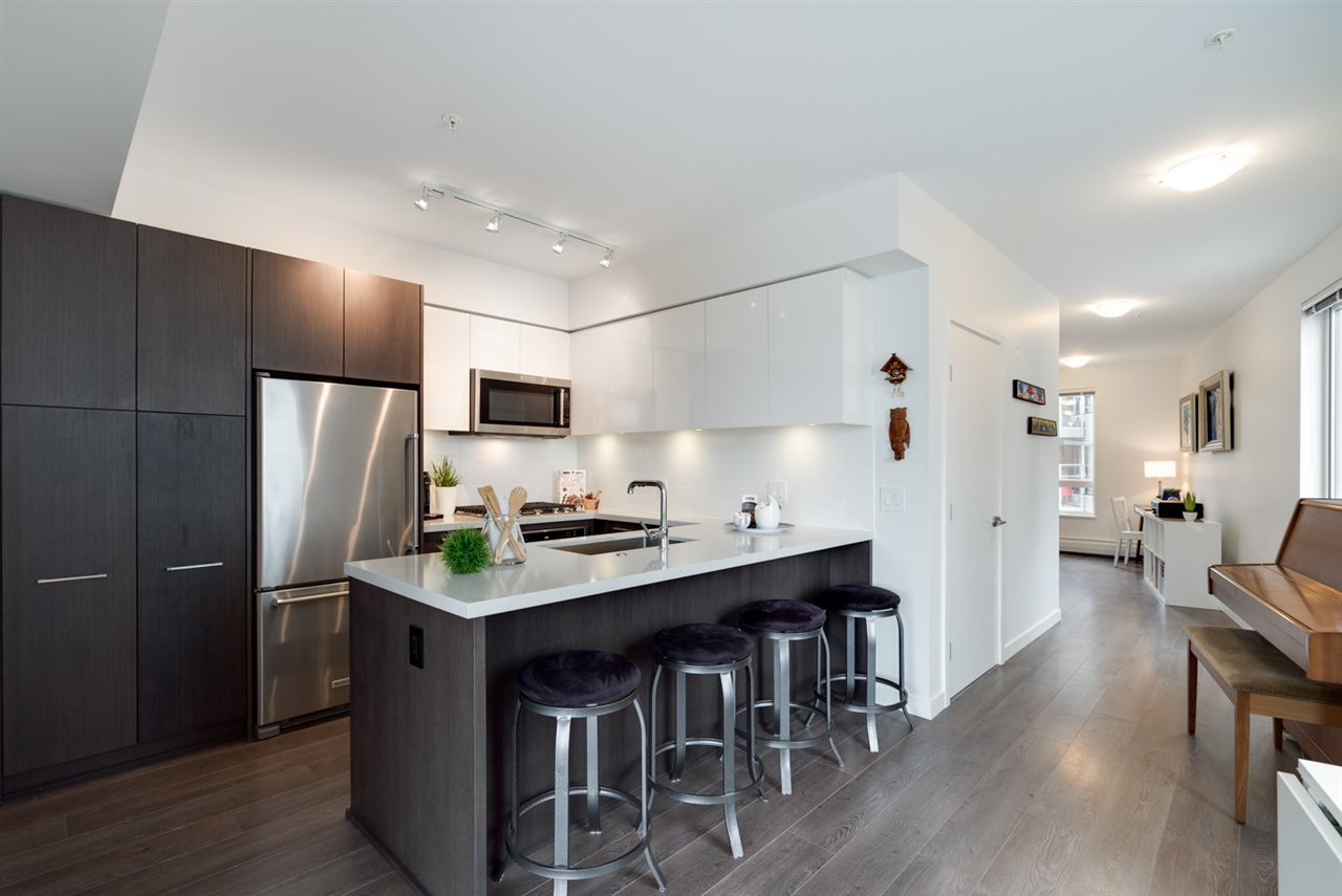 "Photo 10: 313 417 GREAT NORTHERN WAY in Vancouver: Mount Pleasant VE Condo for sale in ""CANVAS"" (Vancouver East)  : MLS(r) # R2179002"