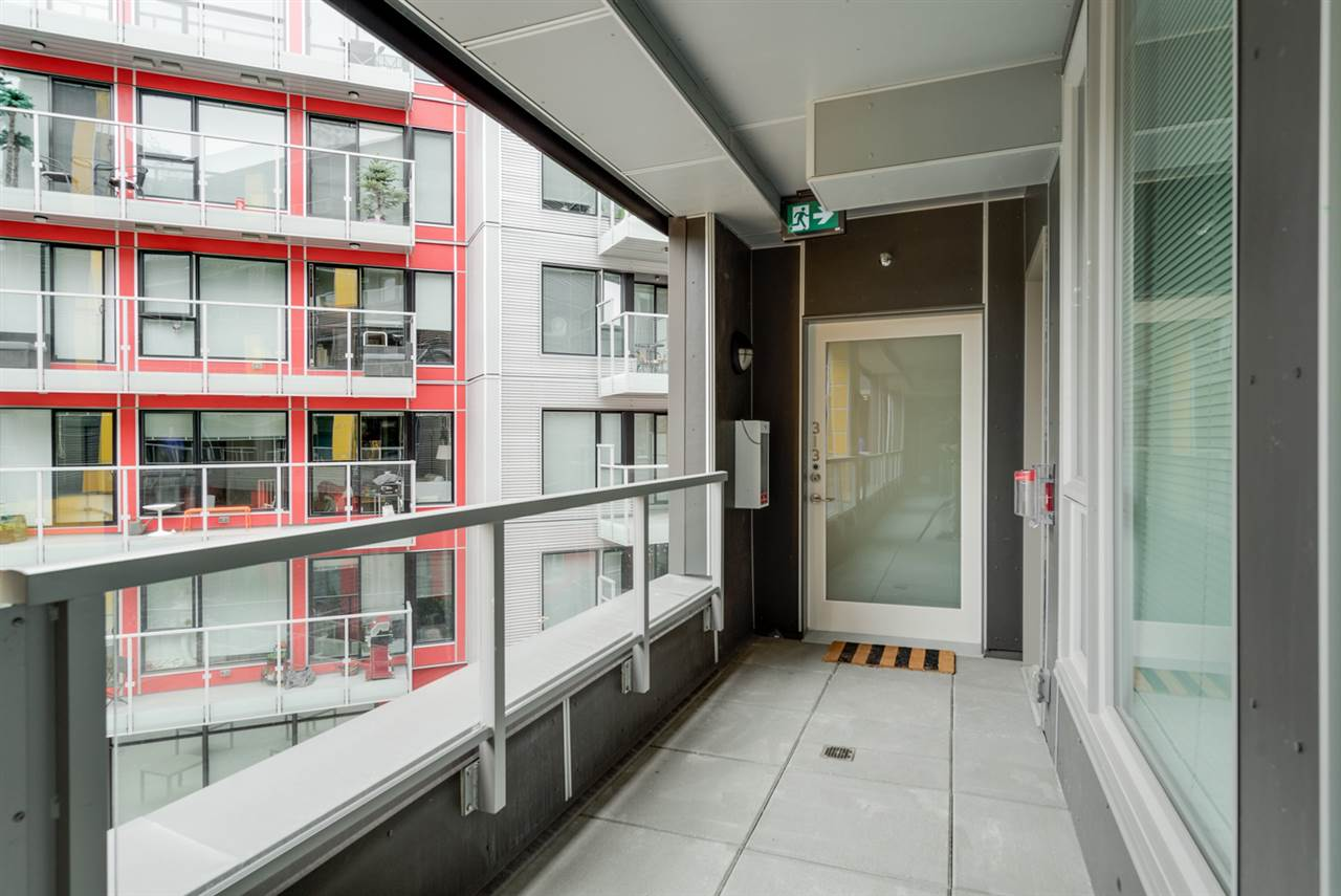 "Photo 3: 313 417 GREAT NORTHERN WAY in Vancouver: Mount Pleasant VE Condo for sale in ""CANVAS"" (Vancouver East)  : MLS(r) # R2179002"
