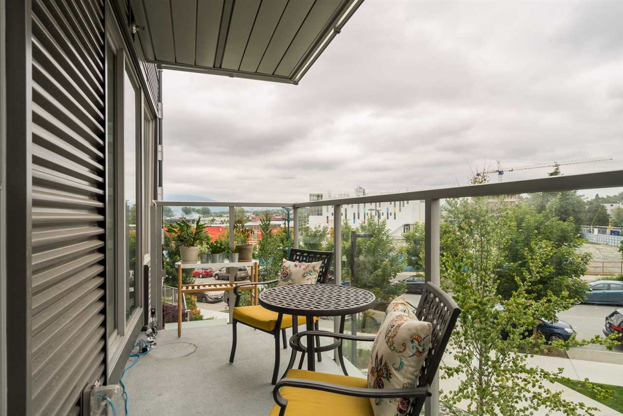 "Photo 15: 313 417 GREAT NORTHERN WAY in Vancouver: Mount Pleasant VE Condo for sale in ""CANVAS"" (Vancouver East)  : MLS(r) # R2179002"