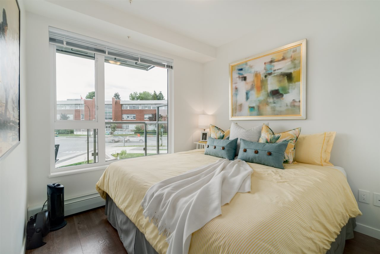 "Photo 13: 313 417 GREAT NORTHERN WAY in Vancouver: Mount Pleasant VE Condo for sale in ""CANVAS"" (Vancouver East)  : MLS(r) # R2179002"