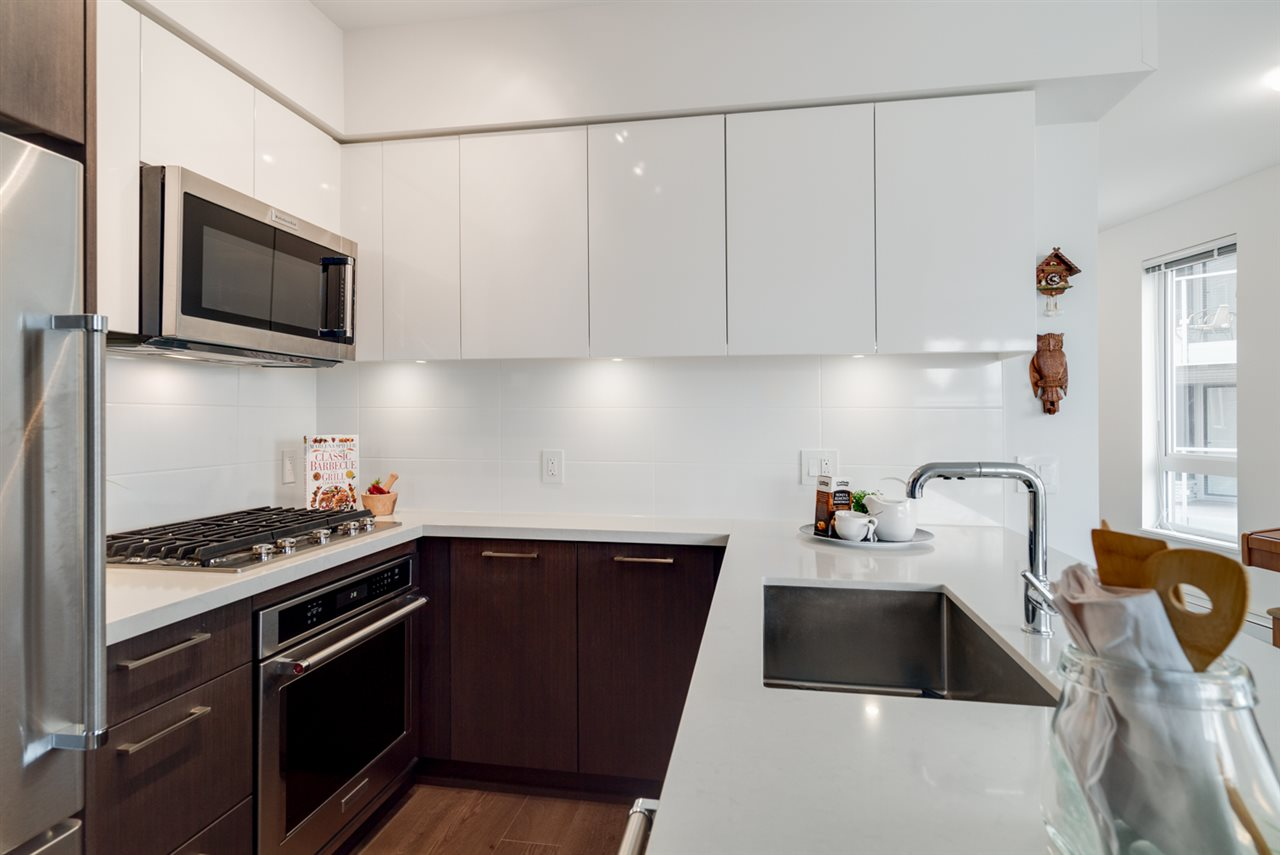 "Photo 11: 313 417 GREAT NORTHERN WAY in Vancouver: Mount Pleasant VE Condo for sale in ""CANVAS"" (Vancouver East)  : MLS(r) # R2179002"