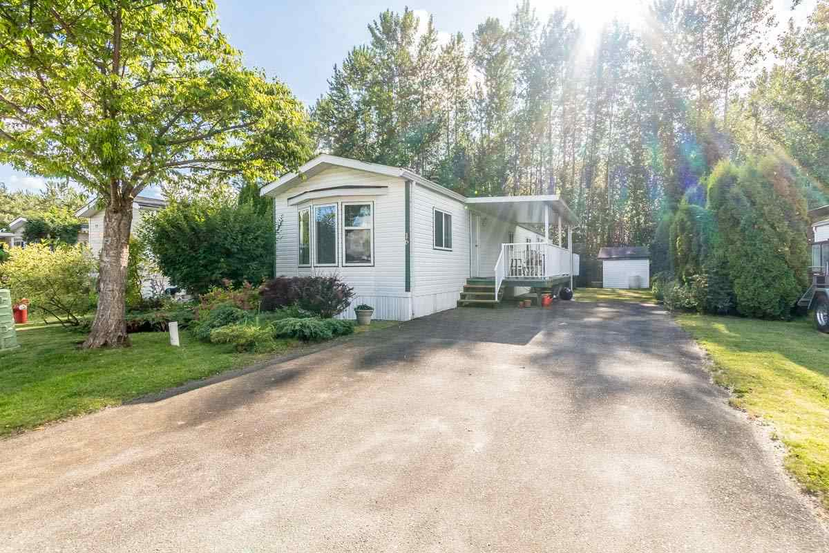 "Main Photo: 16 41168 LOUGHEED Highway in Mission: Dewdney Deroche Manufactured Home for sale in ""Oasis Country Estates"" : MLS® # R2180722"