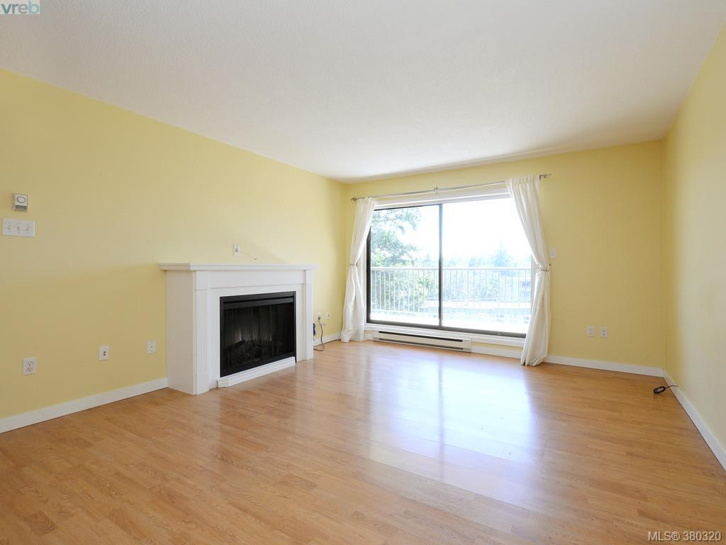 Photo 3: 503 4030 Quadra Street in VICTORIA: SE High Quadra Condo Apartment for sale (Saanich East)  : MLS(r) # 380320