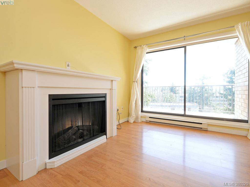 Photo 5: 503 4030 Quadra Street in VICTORIA: SE High Quadra Condo Apartment for sale (Saanich East)  : MLS(r) # 380320