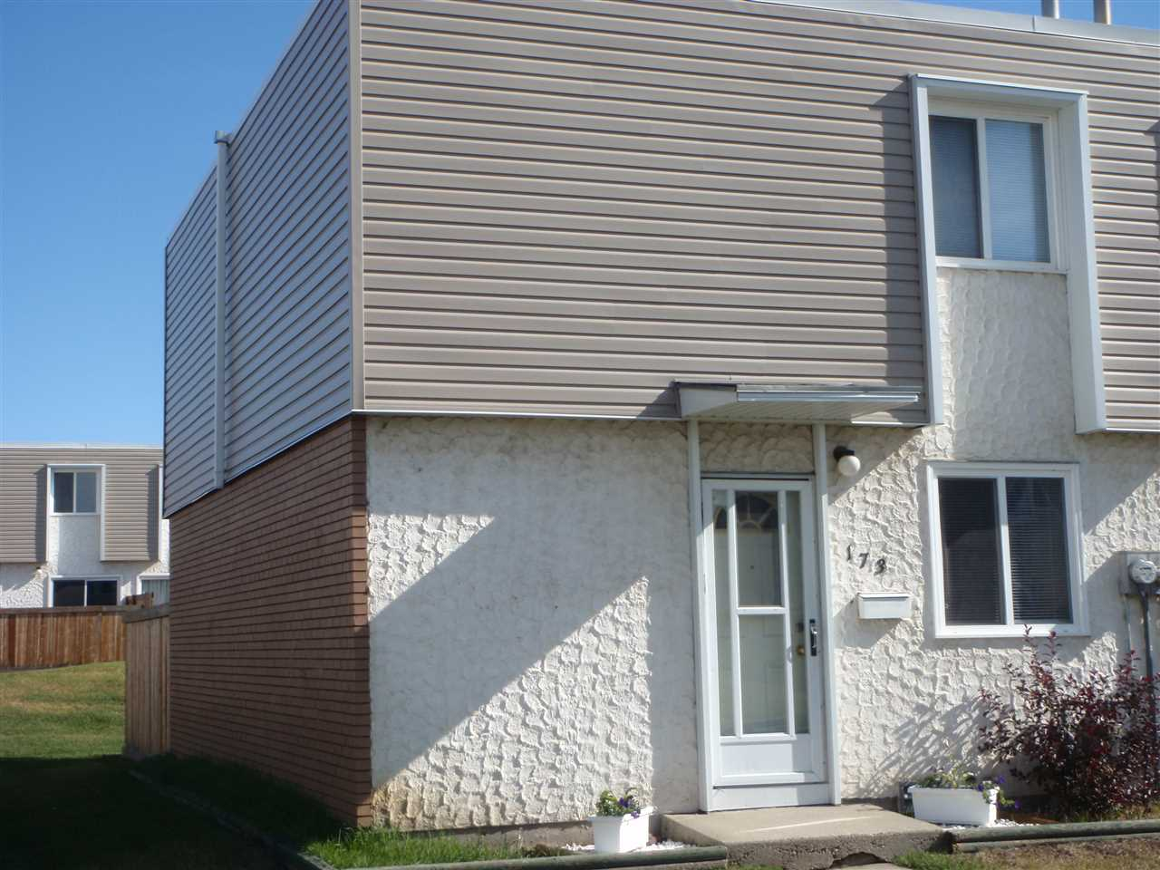 Main Photo: 173 Cornell Court NW in Edmonton: Zone 02 Townhouse for sale : MLS® # E4076021